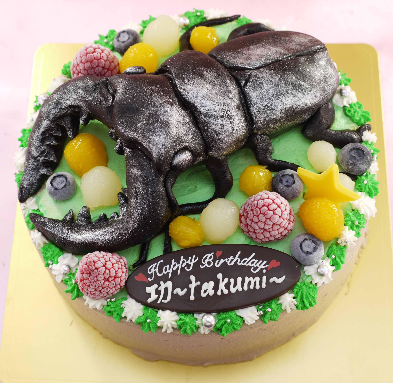 クワガタの立体ケーキ