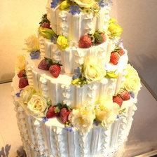 【岩手県盛岡市】タワータイプのウェディングケーキ(フラワー3段)をお作りしました